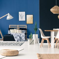 Multifunctional living space in shades of blue